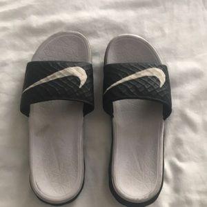 Women's Kawa Sandals. Size 8